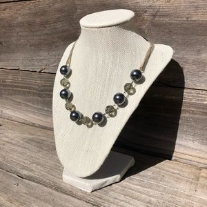 LOFT blue-pearl beaded necklace